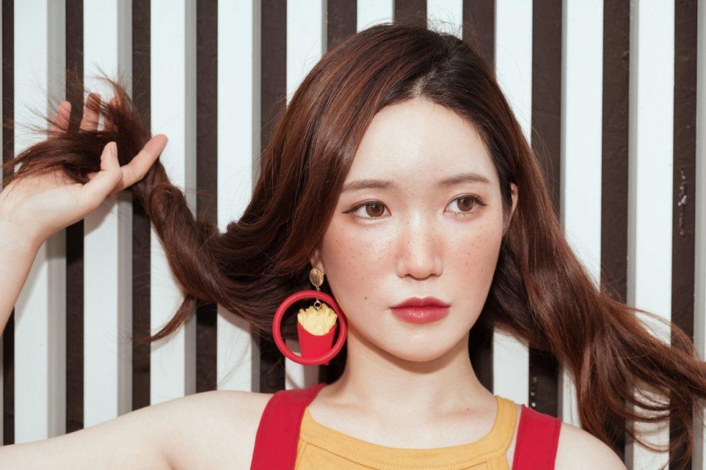 Czerwieniąca się twarz – jak zniwelować trądzik różowaty?